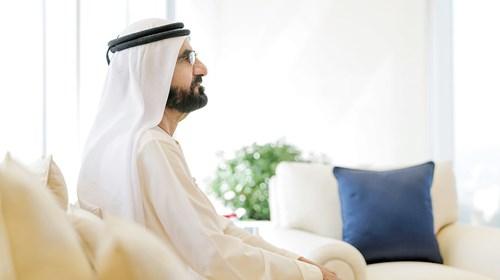 محمد بن راشد يقدم التهاني عن بعد