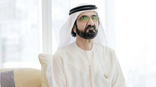 محمد بن راشد يقدم التهنئة عبر الاتصال المرئي