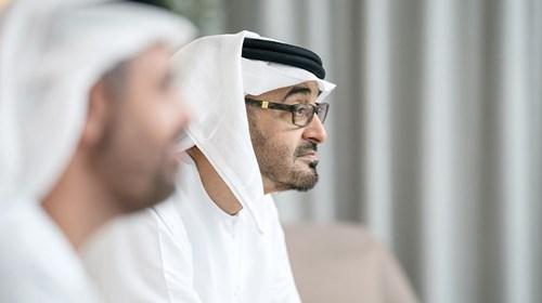 محمد بن زايد يقدم التهاني عن بعد بحضور ذياب بن محمد بن زايد
