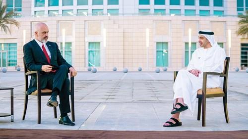 عبدالله بن زايد في حديث مع إيدي راما