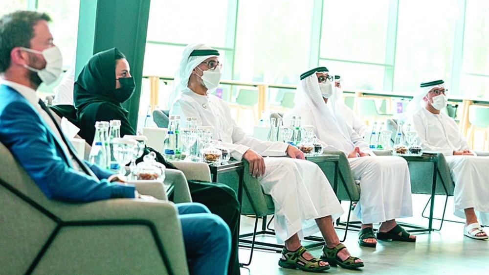 خالد بن محمد بن زايد خلال افتتاح مدرسة البرمجة بحضور حسين الحمادي وسارة مسلم