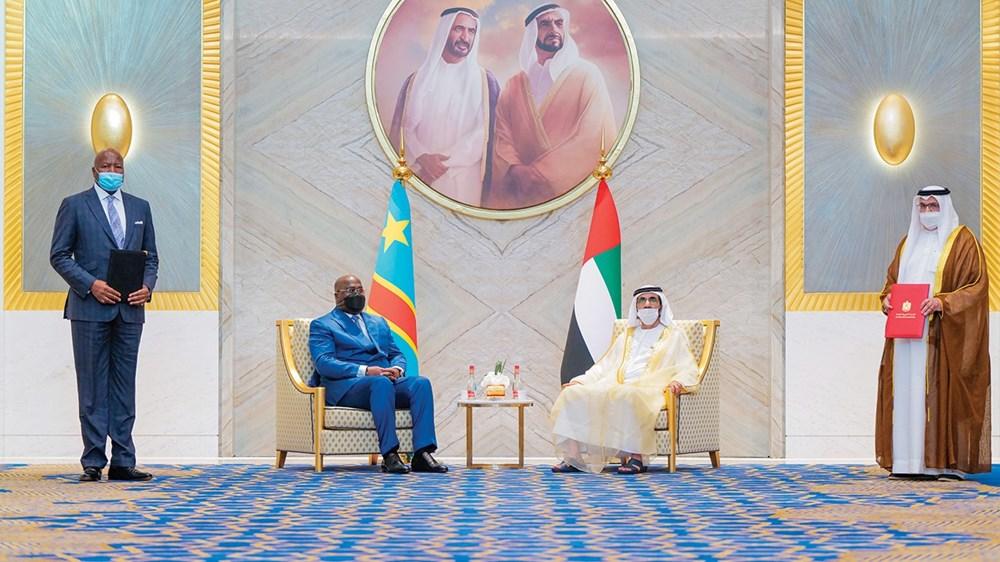 محمد بن راشد والرئيس الكونغولي خلال  توقيع اتفاقيات ومذكرات تفاهم بين البلدين