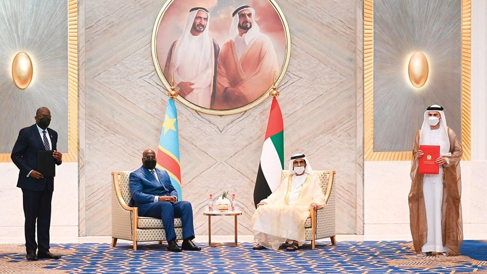 محمد بن راشد والرئيس الكونغولي يشهدان توقيع محمد بن هادي الحسيني وكريستوف لوتوندولا لاتفاقية ثنائية