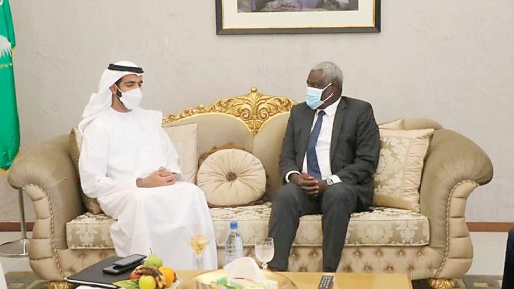 شخبوط بن نهيان خلال لقاء رئيس مفوضية الاتحاد الأفريقي