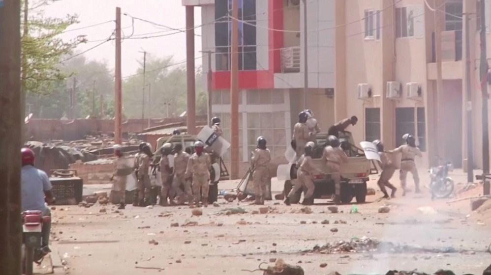 اعتقال محتجين ومثيري الشغب في عاصمة النيجر