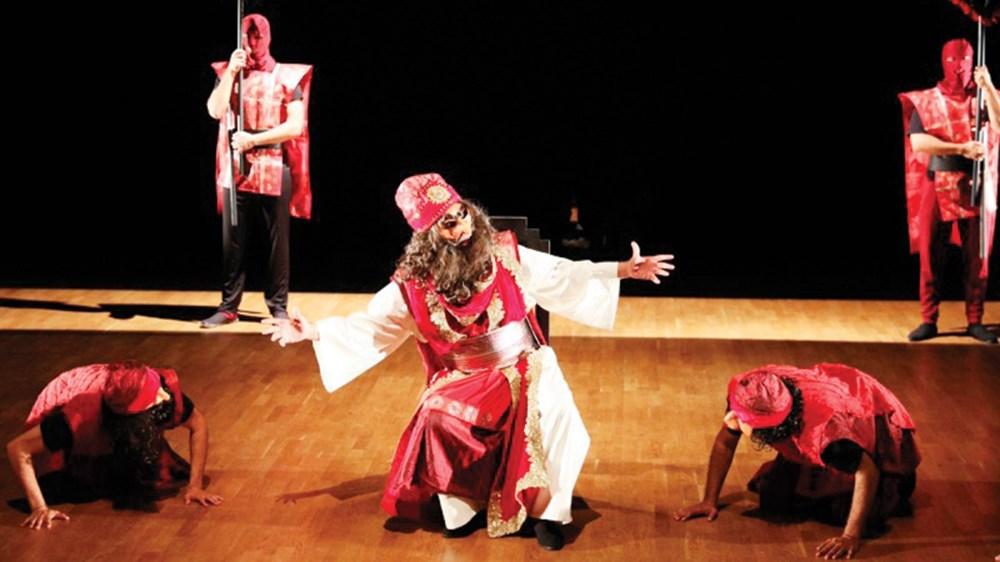 مشهد من مسرحية «النمرود» (الصور من المصدر)