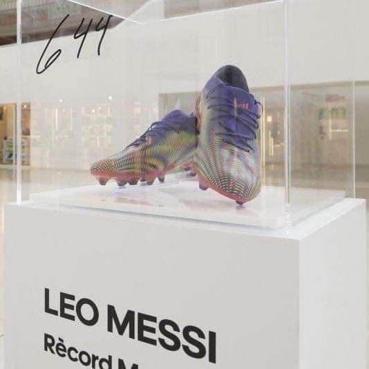الحذاء الذي أحرز به ميسي الهدف القياسي مع برشلونة