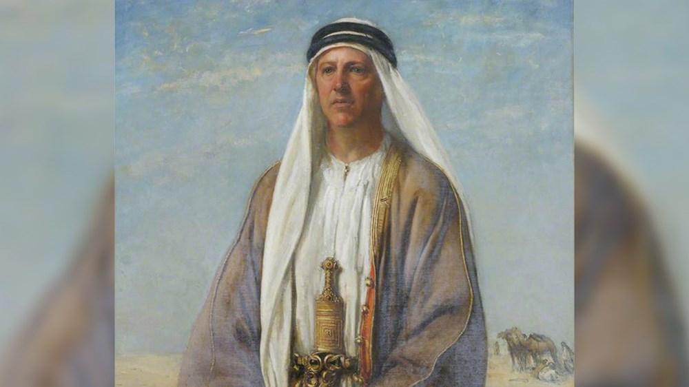 برترام توماس  في الزي العربي